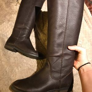 Women's size 8 brown riding boot